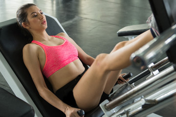 A beautiful woman workout in the gym