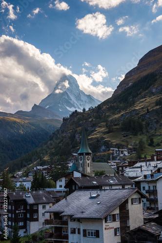 Sticker Abendlicher Blick über Zermatt Dorf und das Matterhorn