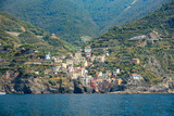 Manarola, Ligurie, Italie - vue du village depuis la mer