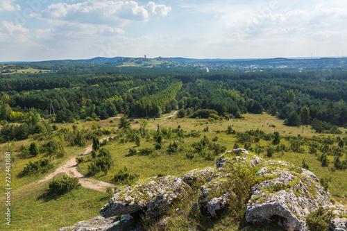 Foto Murales Mountains Towarne near Olsztyn on Jura Krakowsko-Czestochowska, Silesia, Poland