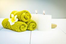 "Постер, картина, фотообои ""Beauty spa background with burning candles and massage stones, retro toned"""