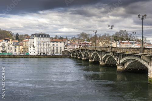 Foto Murales Pont Saint-Esprit crossing the Ardour in Bayonne, France