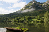 Paisaje de montaña y embalse de Valdemurio en Quirós, Asturias - 222592213