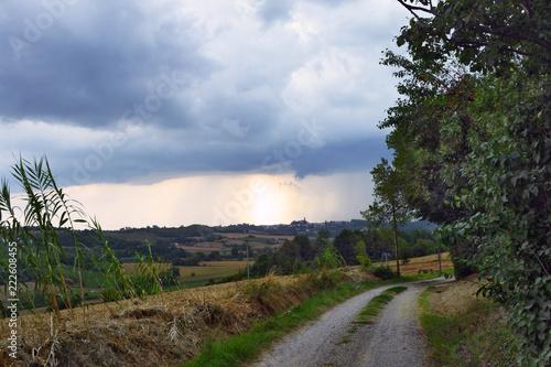 panoramiczny widok niektórych zakątków Monferrato, Piemont, Włochy,