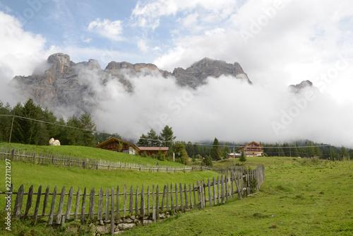 Foto Murales Fog in the mountain
