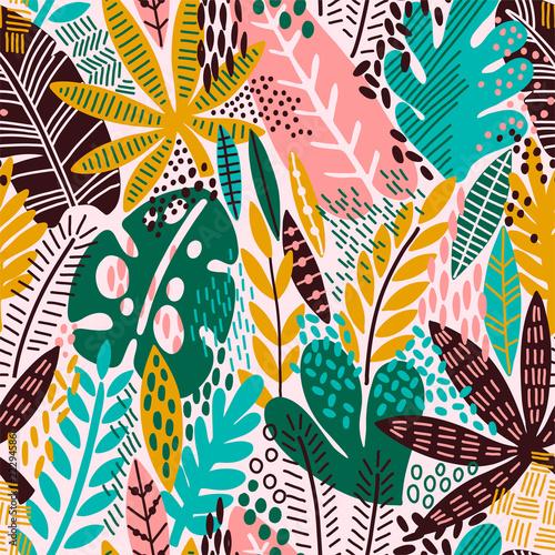 Bright tropical leaf seamless pattern. - 222945861