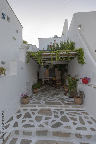 Fototapeta Idyllische Gasse Naxos Chora Griechenland