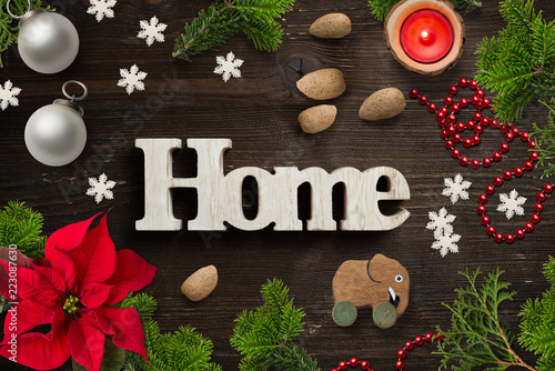weihnachtliche Dekoration mit Wort