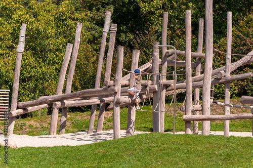 Klettergerüst Spielplatz : Gamesageddon klettergerüst spielplatz lizenzfreie fotos