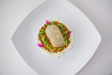 Filete bola de res con pepita con mole amarillo y espejo de coco