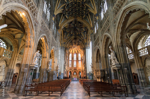 Foto Murales Beautiful view of the interior of the St-Jacob's church (Sint-Jacobs, Saint-Jacques) in Liege, Belgium