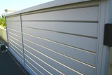 portail de maison en alu gris et lames - 223380429
