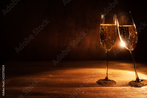 Leinwandbild Motiv Sparkling champagne to celebrate