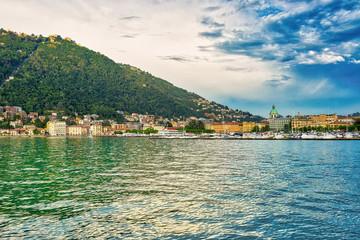 La città di Como vista dal lago © nicolagiordano