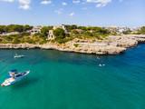 Luftaufnahme, Punta des Jonc und Bucht Cala Marcal mit Villen und Yachten, Portocolom, Region Felanix, Mallorca, Balearen, Spanien - 224168033