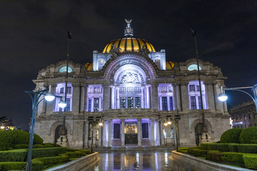 Buildings and monuments of the City of Mexico © jcfotografo