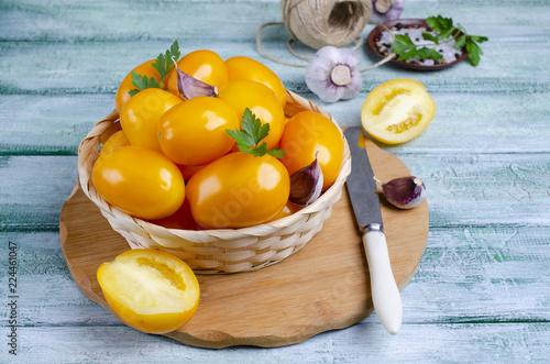 Foto Murales Raw yellow tomatoes