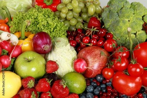 Leinwanddruck Bild Assorted produce - bell peppers, apples, berries, blueberries