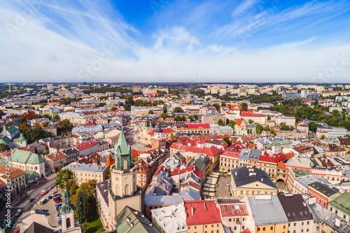 Fototapety, obrazy : Lublin krajobraz starego miasta z lotu ptaka. Turystyczna część lublina - wieża Trynitarska, trybunał Koronny i brama Krakowska.