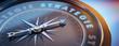 Dunkler Kompass mit Lichtspiel - Strategie