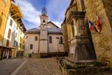 L'Eglise et le bâtiment de la mairie du village de Colmars les Alpes. France.