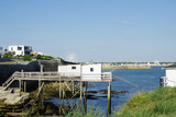 Carrelets servant à la pêche au filet sur la côte d'Argent en Charente Maritime