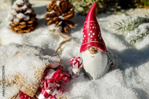Santa Claus new year gifts - 225167846