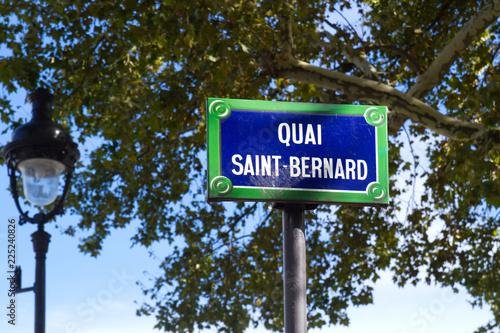 Pariser Straßenschild