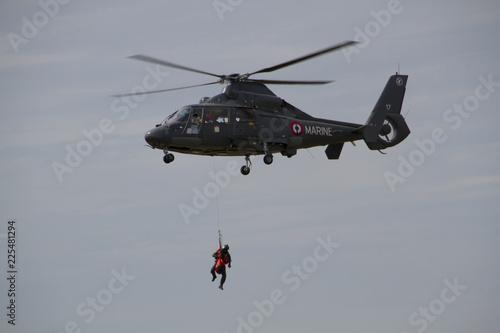 Fototapeta Hélicoptère de la Marine Française