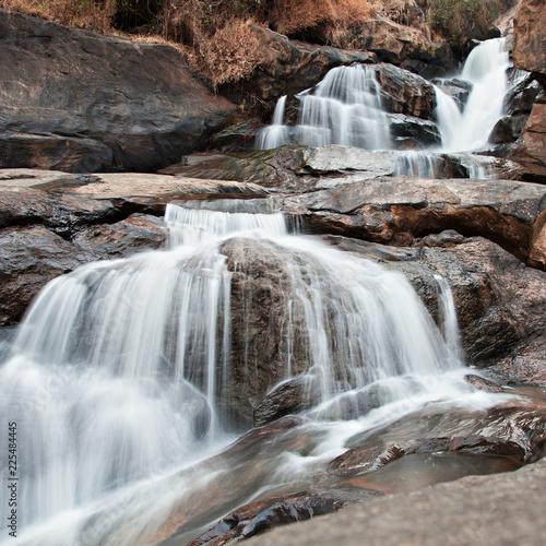 Foto Murales Athukadu waterfall