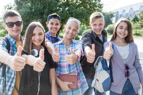 Leinwandbild Motiv teens in park