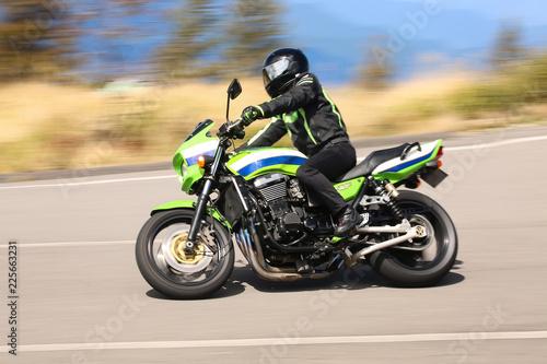 オートバイ 流し撮り