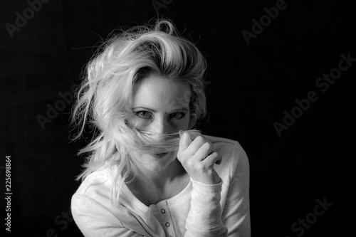 Rooty Blonde Medium Length Hairstyle © Thomas Foldes