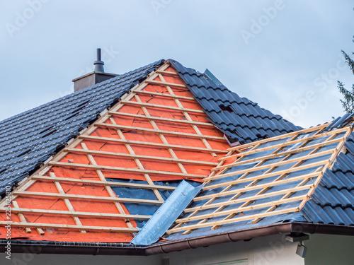 Leinwanddruck Bild Dach Hausbau Dachdecker