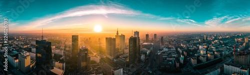 Warszawska panorama o wschodzie słońca - 226026093