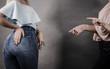 Leinwanddruck Bild - Woman showing her curves