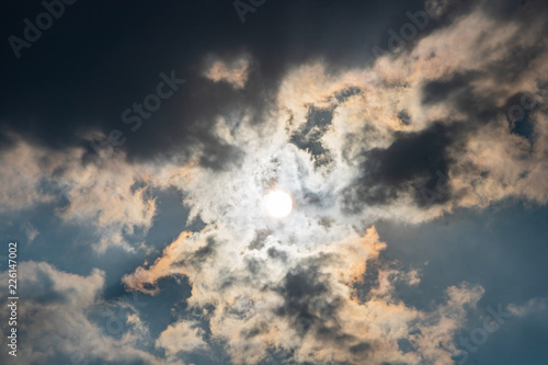 Foto Murales Atmosphere of the sky and clouds before the rain in the evening.