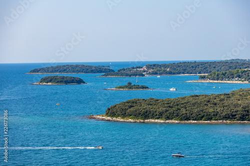 Küste und Insel