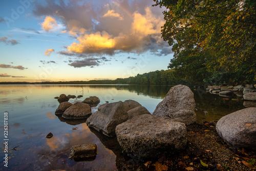 Acrylglas Pier lake in the light of the setting sun in autumn-lake Drawsko, Poland