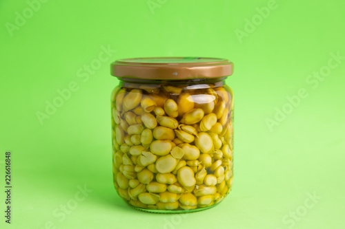 Leinwandbild Motiv pot of canned beans