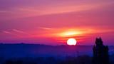 Lever de soleil sur horizon dégagé - 226838477