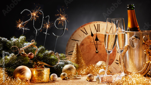 Leinwandbild Motiv New Years Eve 2019 party background