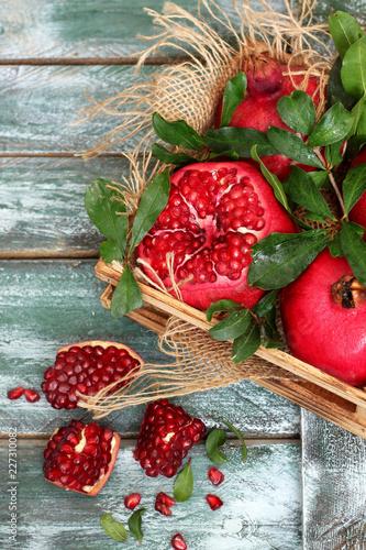 Foto Murales Fresh sliced pomegranates