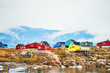 Leinwanddruck Bild - Colorful houses in Saqqaq village, Greenland