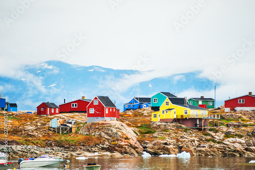 Leinwanddruck Bild Colorful houses in Saqqaq village, Greenland