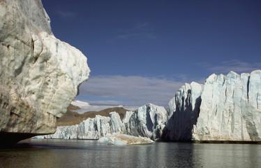 Svalbard clacier © YvonneNederland