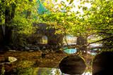 Stenbro över vattendrag
