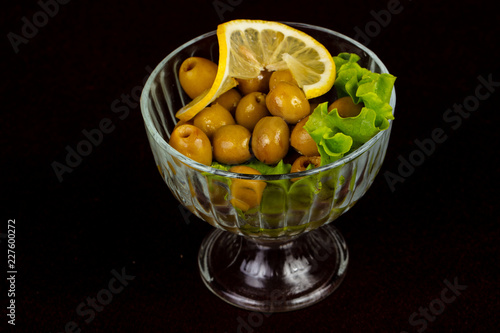 Foto Murales Green olives in the bowl