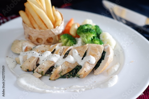 grilled chicken with cheese - 227713869