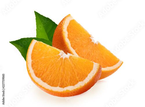 Pomarańczowi plasterki odizolowywający na białym tle